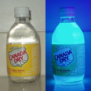 Tonic water, in normal light and UV.