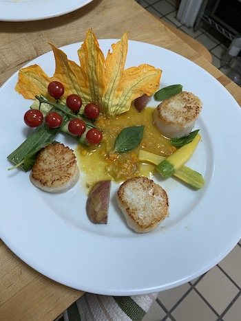 dehydrated zucchini blossom with seared scallops